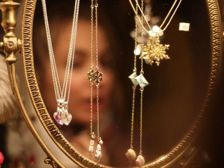 Strona sklepu z biżuterią – praktyczne sztuczki na zwiększenie sprzedaży